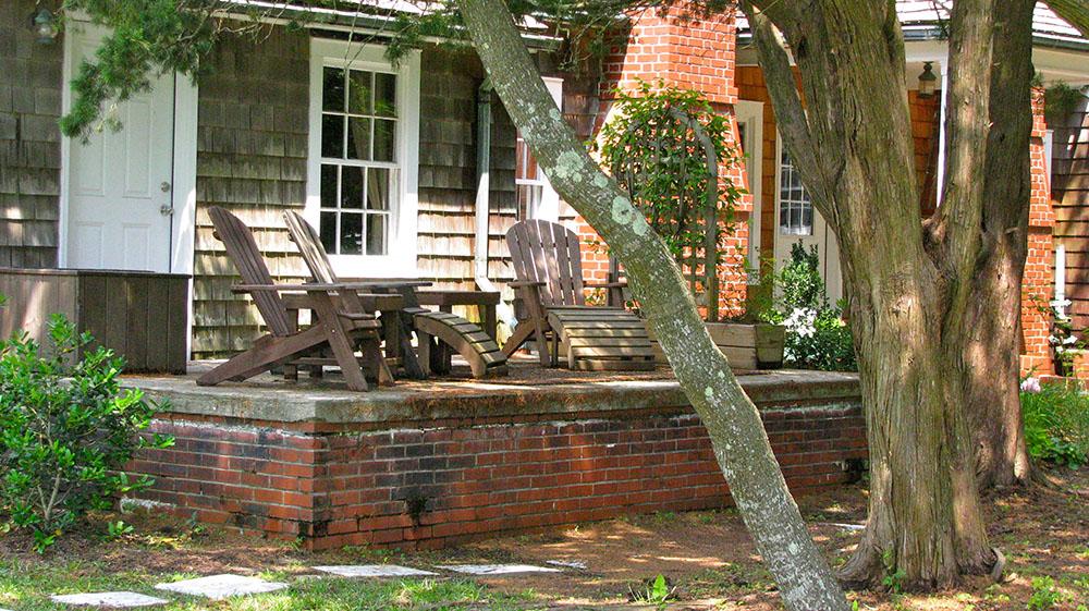 the berkley manor exterior landscape 3
